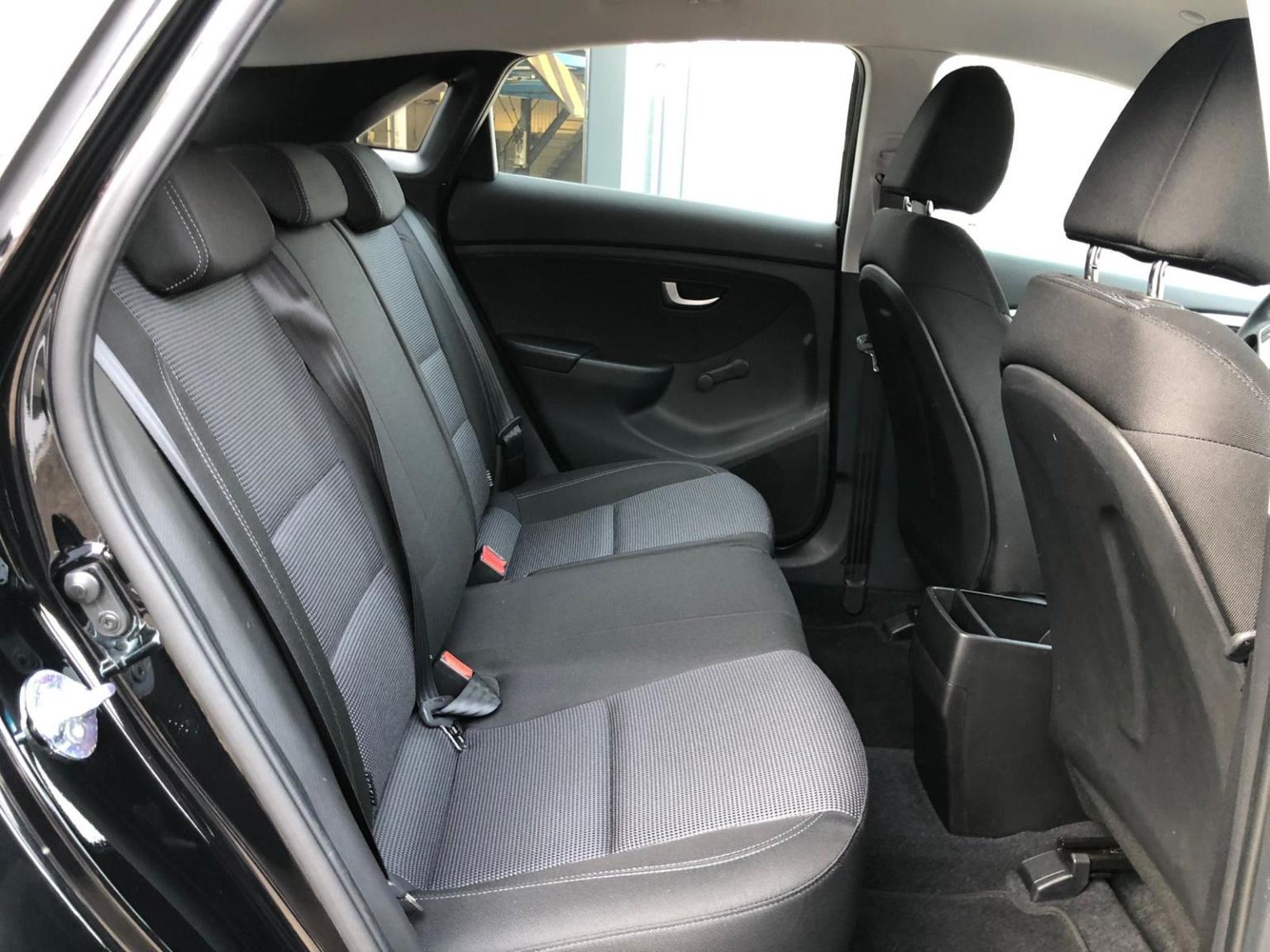Hyundai-i30-10