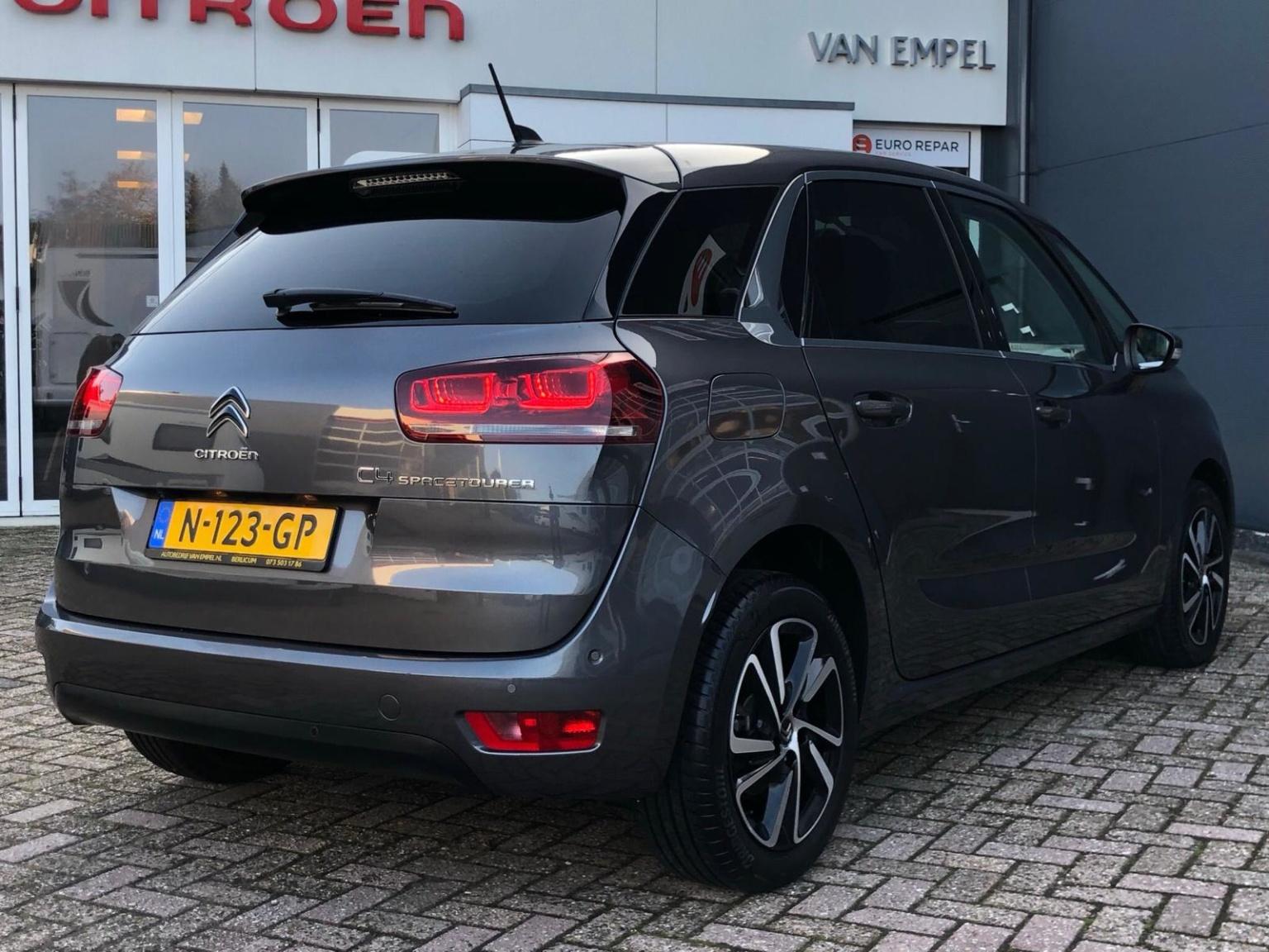 Citroën-C4 Spacetourer-5