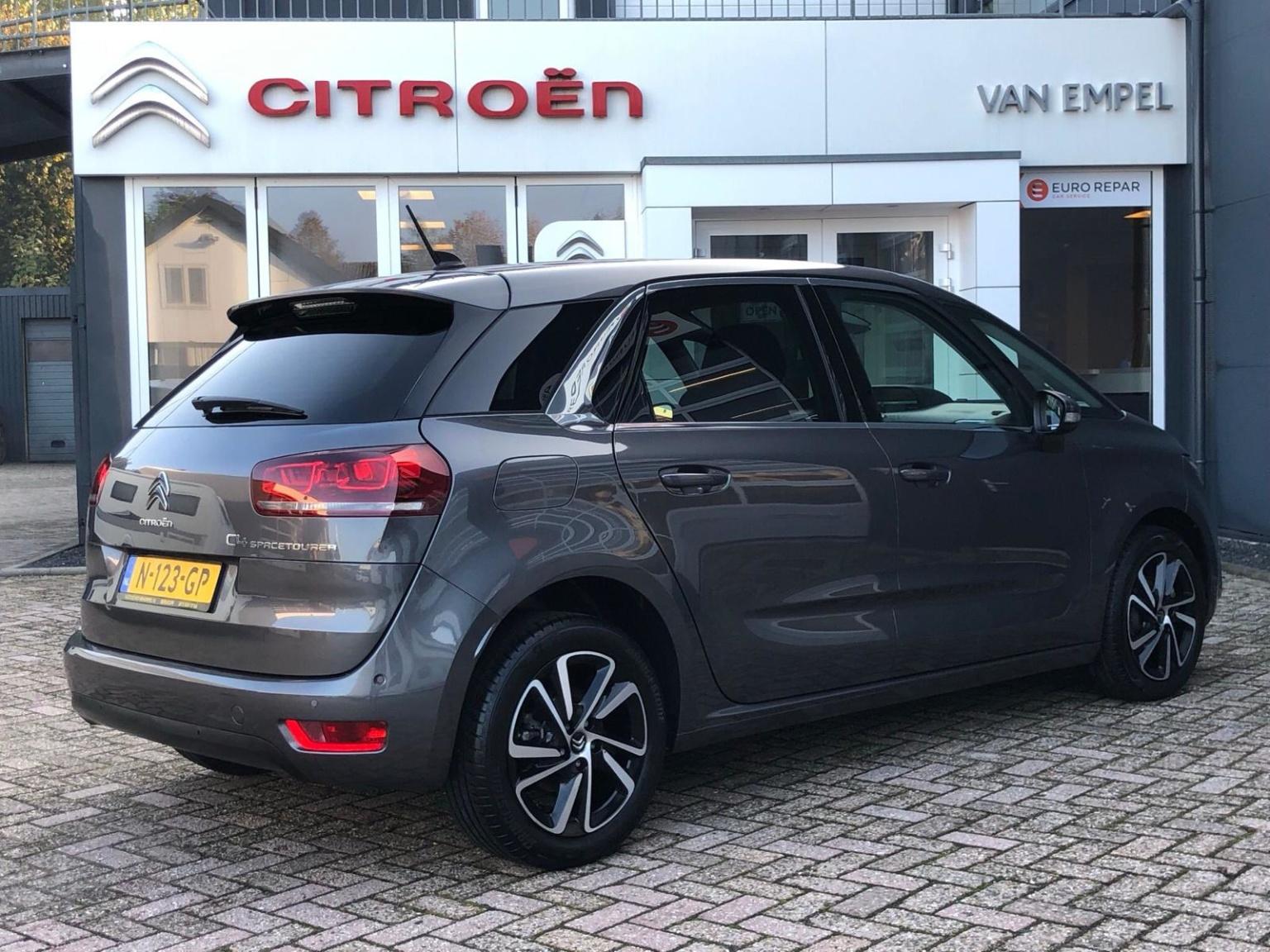 Citroën-C4 Spacetourer-6
